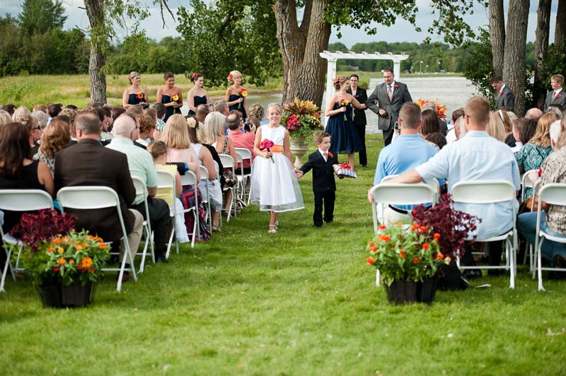 wedding-lakeside