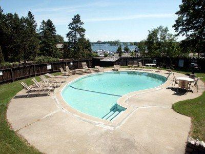 gov-house-pool