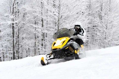 snowmobiling near breezy point resort