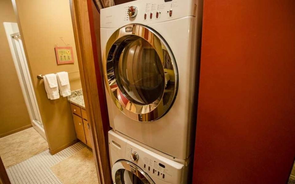 Unit 416 Laundry (1)