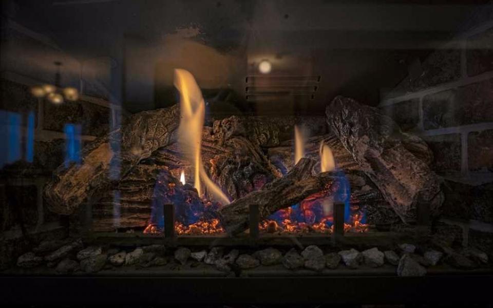 Unit 461 fire place (1)